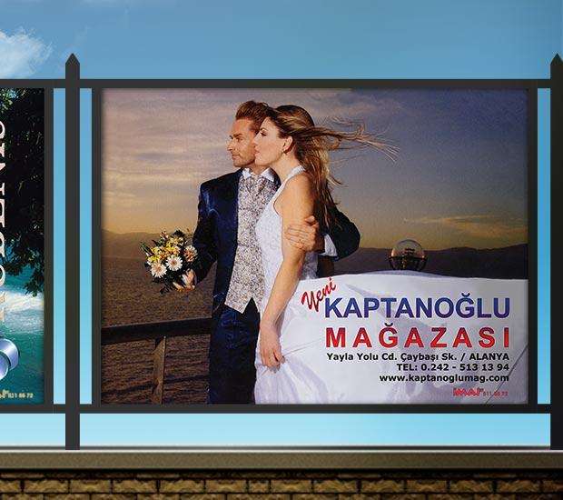 Stadyum Reklam Panosu - Yeni Kaptanoğlu Mağazası