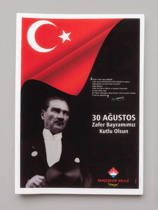 30 Ağustos Mesajı Tabloid Gazete İlanı - Bahçeşehir Koleji